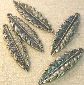 AB-0128 - Antique Brass Pewter Medium Feather Pendant,12x40mm | Pkg 5