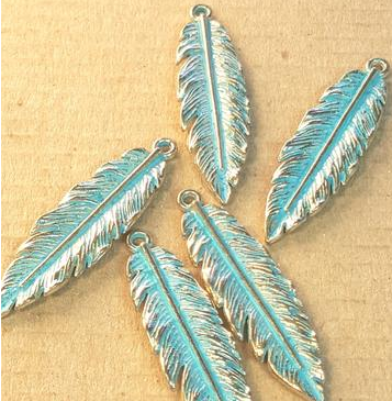 AB-0131 - Antique Brass With Patina Medium Feather Pendant,12x40mm | Pkg 4