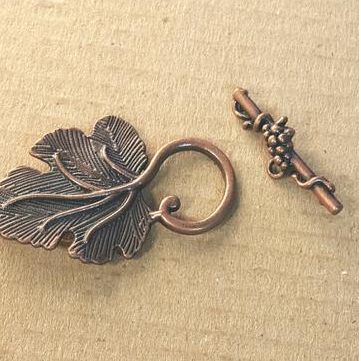 AB-0210 - Antique Copper Leaf Toggle Clasp, 23x35mm | Pkg 2