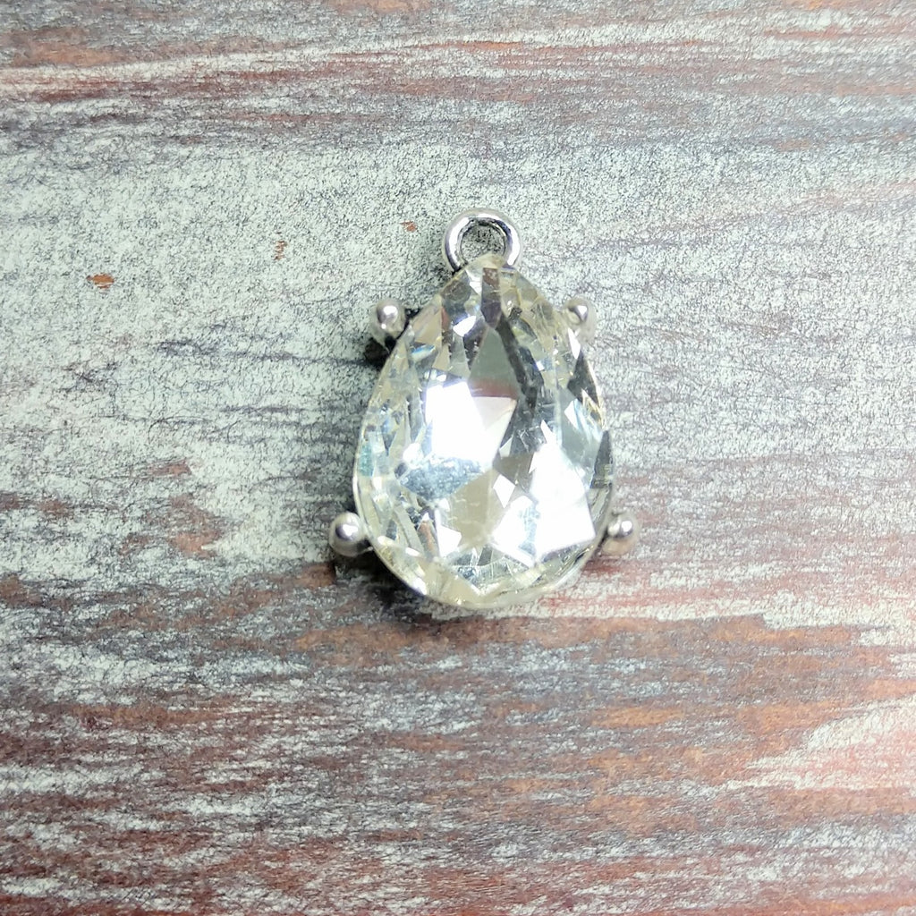 AB-0565 - Silver Plated Pear Shaped Pendant/Drop With Rhinestone,14x22mm | Pkg 1