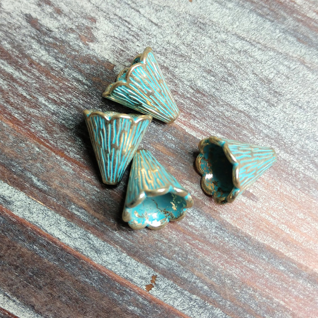 AB-0703 - Antique Brass With Patina Lined Bead Cone, 12mm | Pkg 4