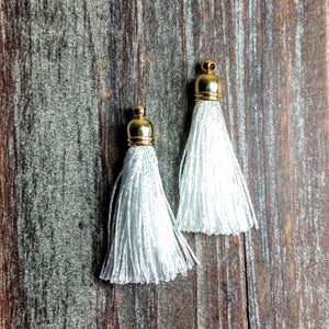AB-3105 - Jewelry Tassel, Silk Thread, White, 6x37mm | Pkg 2