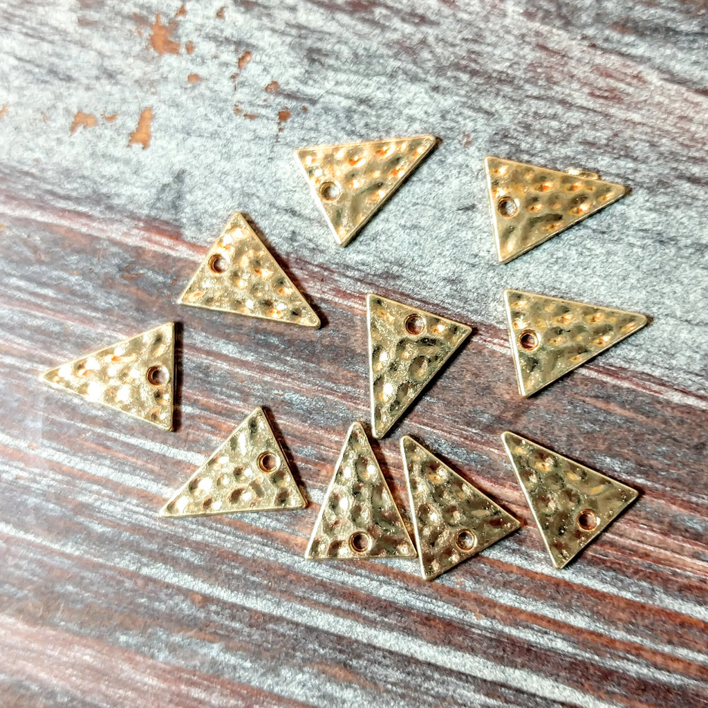 AB-4231 - Drops, Hammered Gold Triangles, 12x14mm | Pkg 10