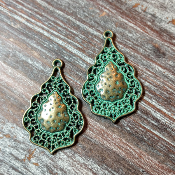 AB-5752 - Antique Brass Patina Lacy Pendant,24x38mm | Pkg 2