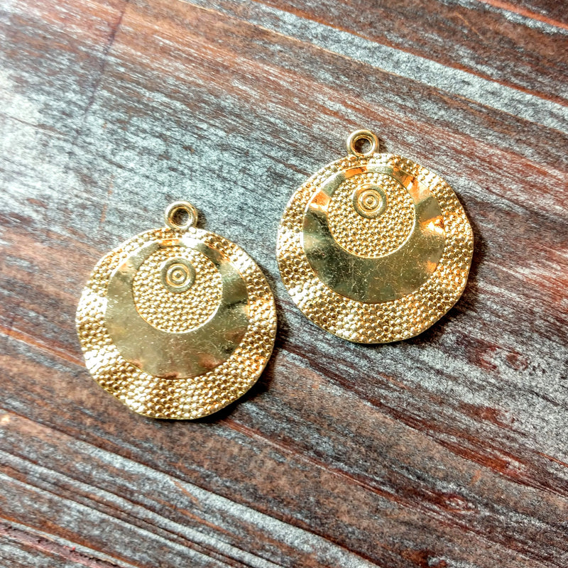 AB-5113 - Gold Pendant With Swirls And Dots, 26mm | Pkg 2