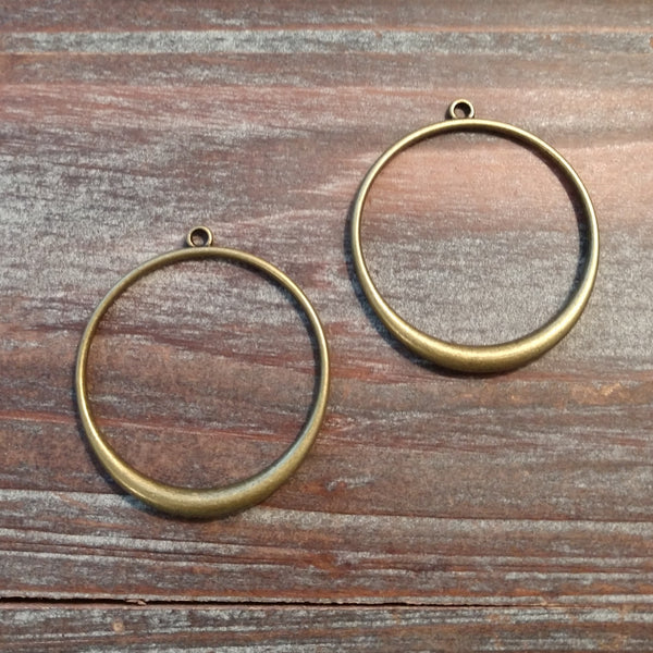 AB-5181 - Antique Brass Open Ring With Top Loop, 34mm | Pkg 2