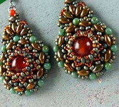 #PDF-109 - Kashmir Earrings Pattern by Nela Kábelová