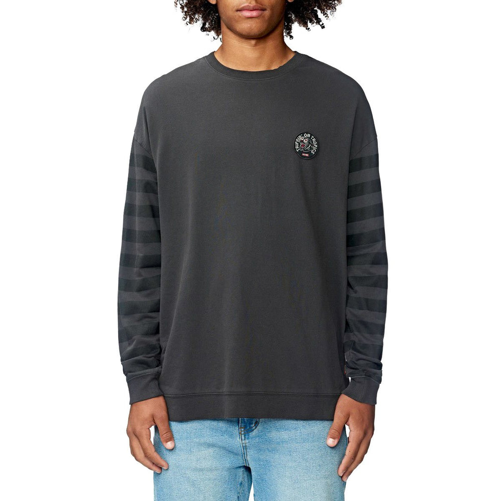 Globe Carrier Crew - Washed Black