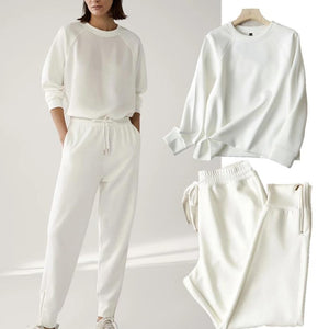 Le top et pantalon blanc