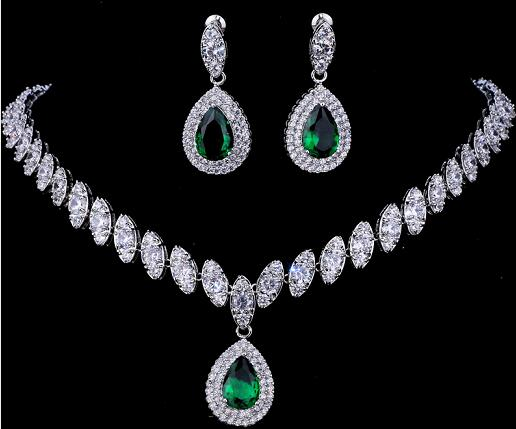 Eloquence In Motion- Earring & Necklace Set
