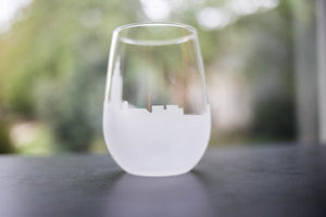 Annapolis, Maryland Skyline Silhouette Wine Glass - Urban and Etched