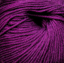 Load image into Gallery viewer, Cascade Yarns 220 Superwash | worsted weight | 100% Superwash wool | 100g | 200m
