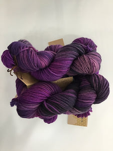 I Bee weaving | Worsted | Heavy Worsted| 100% SW Fine Merino | 165m | 100g
