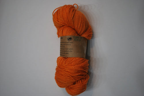 i Bee weaving | Fingering | Queen Bee - Gold | 84% SW Merino, 16% Stellina | 425 yards | 115 grams
