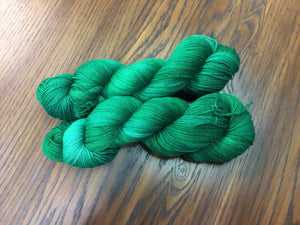 i Bee weaving | Fingering | Peacock Butterfly |  70% Merino, 20% Cashmere, 10% Nylon | 463 yards | 100 grams