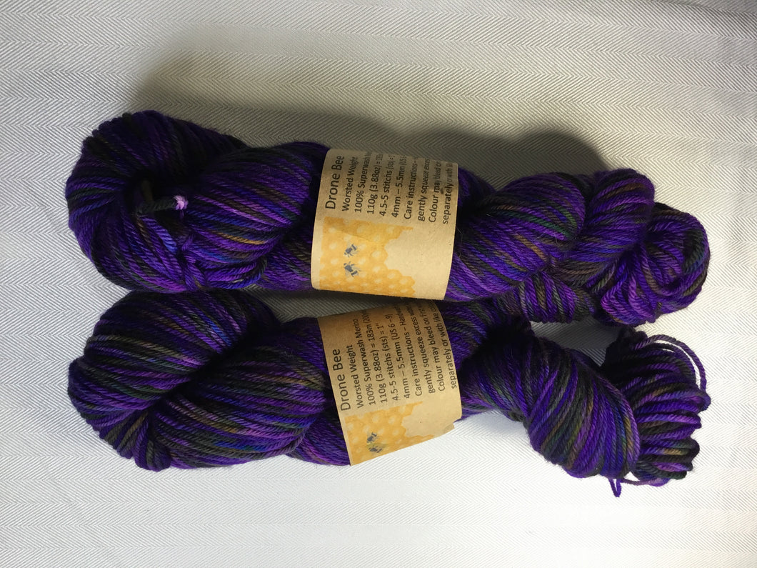 i Bee weaving | Worsted | Drone Bee | 100% SW Merino | 200 yards | 110 grams