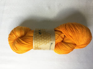 I Bee weaving | fingering weight | Baby Bee | 85% SW Fine Merino 15% Nylon | 400m | 100g