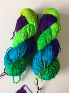 Spun Ware Over the Rainbow | Fingering weight | SW Merino, Nylon | 420 yards | 115 grams