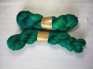 i Bee weaving | Fingering | Bombyx Mori | 60% Merino, 40% Silk | 465 yards | 100  grams