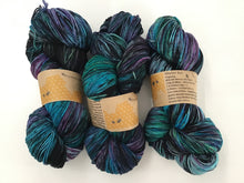 Load image into Gallery viewer, i Bee weaving | Fingering | Worker Bee | 80% SW Merino, 20% Nylon | 418 yards | 110 grams