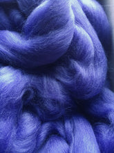 Load image into Gallery viewer, Dyed SW Merino Roving