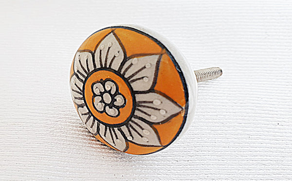 Ceramic yellow Daisy flower embossed 4cm round door knob