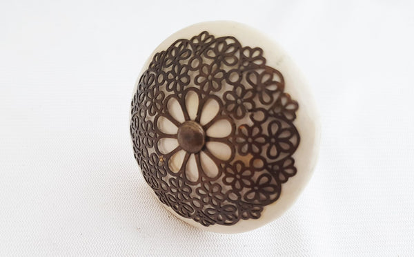 Ceramic big cream metal decor vintage style 5.5cm round door knob