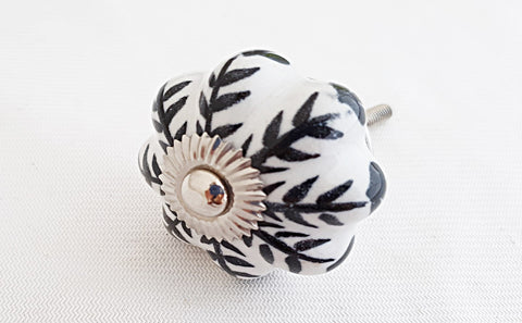 Ceramic shabby chic black white floral 4.5cm pumpkin door knob