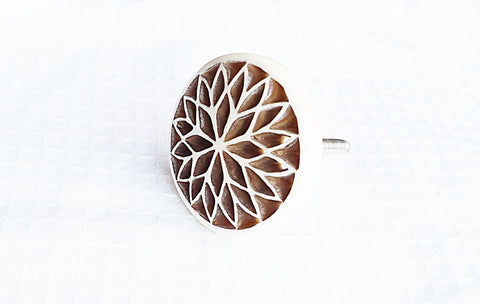 Bone unique shabby chic 4.5 cm flower door knob
