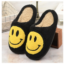 Load image into Gallery viewer, Smiley Face Slippers