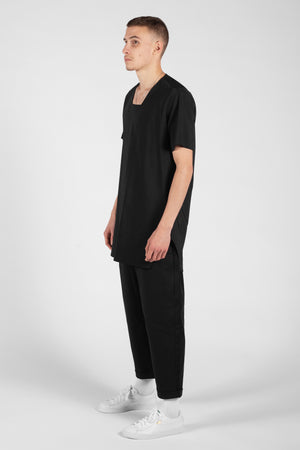 SQUARE NECK BLACK TEE-SHIRT