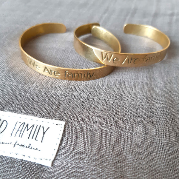 "BRACELET JONC ""WE ARE FAMILY"""