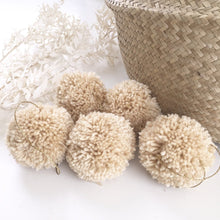 jacky-and-family-pompons-nude-beige-3