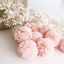 jacky-and-family-pompons-laine-rose-pale-3