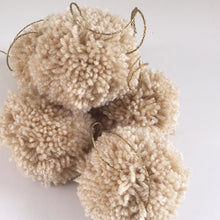 jacky-and-family-pompons-nude-beige-4