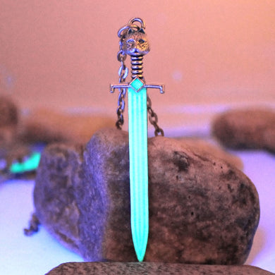 Game of Thrones - GLOW in the DARK Valyrian Steel Blade Necklace - Jewelry - TheGeekLeak.com