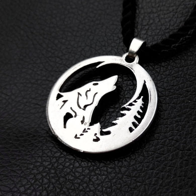 Howling Wolf Necklace - Jewelry - TheGeekLeak.com