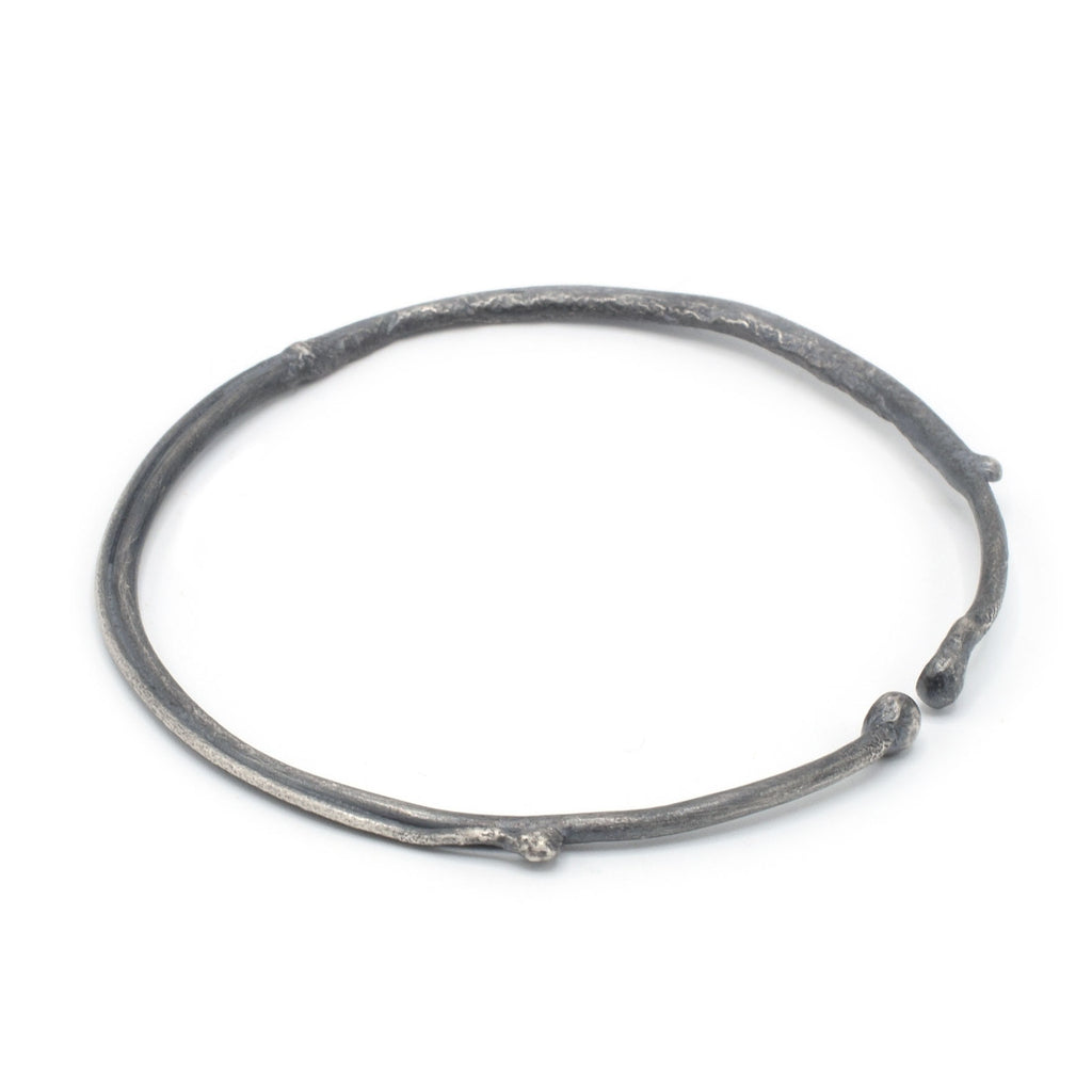 Quorra Antiqued Bangle