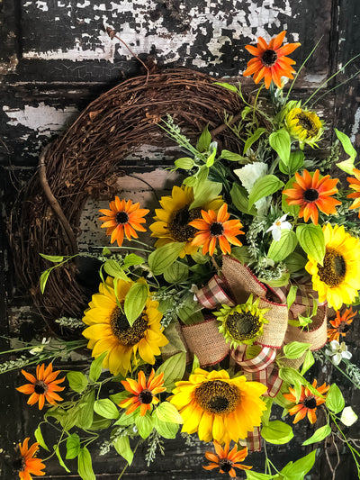The Blanche Sunflower Wreath