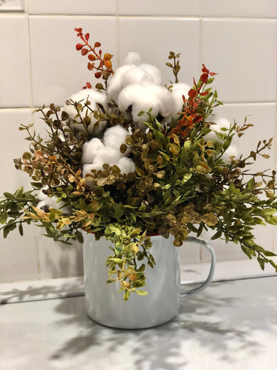 The Ashley Small Cotton Centerpiece