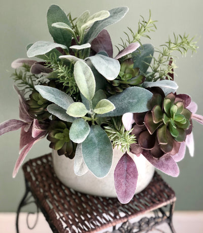 The Tara Minimalist Succulent Centerpiece