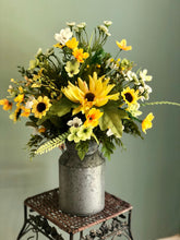 Load image into Gallery viewer, The Daisy Sunflower Vase Arrangement