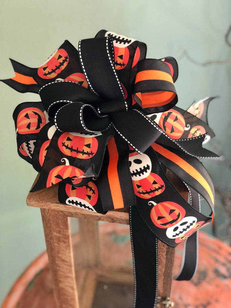 The Jack-o-Lantern Black White & Orange Halloween Bow