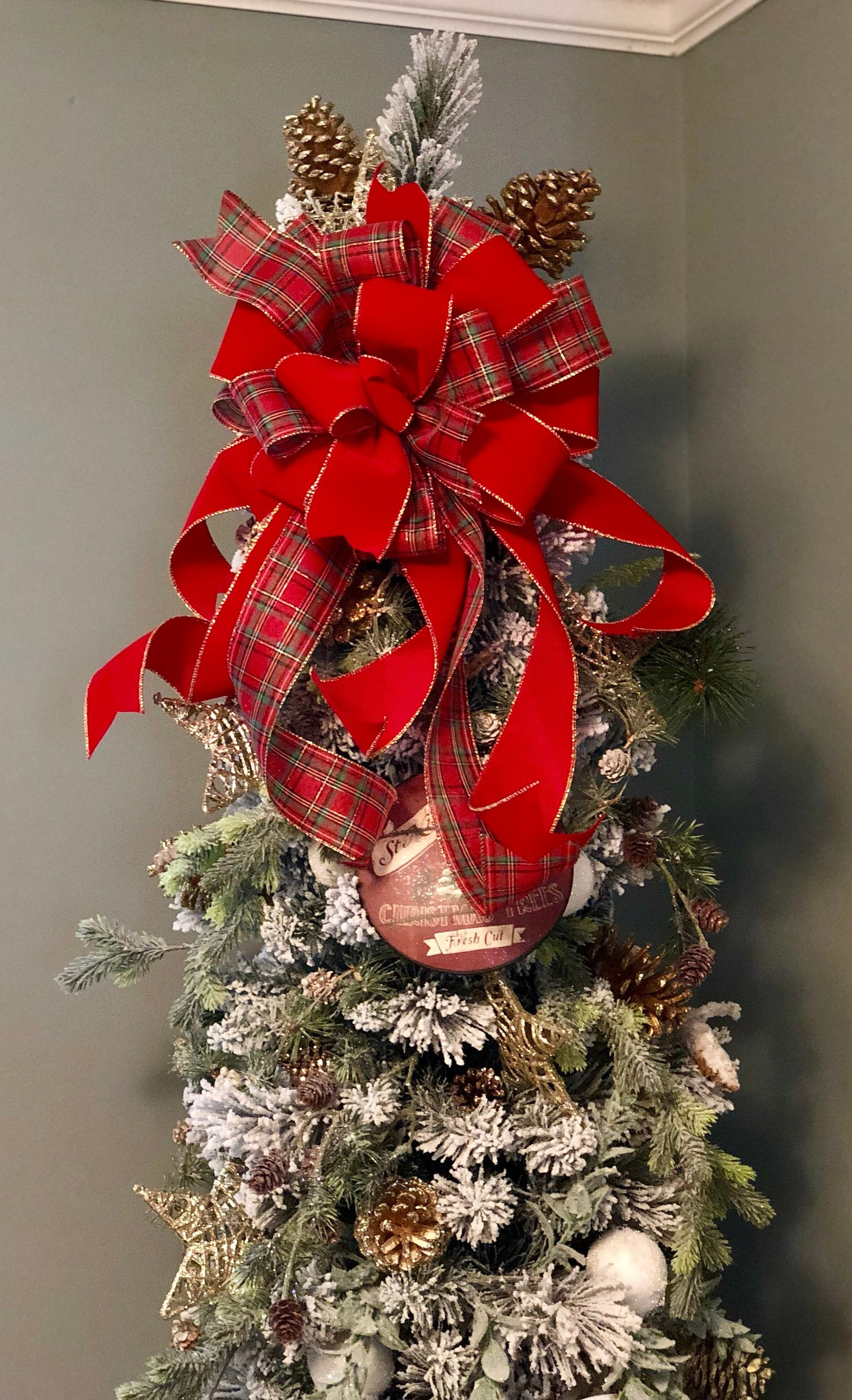 The Maria Red Green And Gold Plaid Christmas Tree Topper Bow Crested Perch