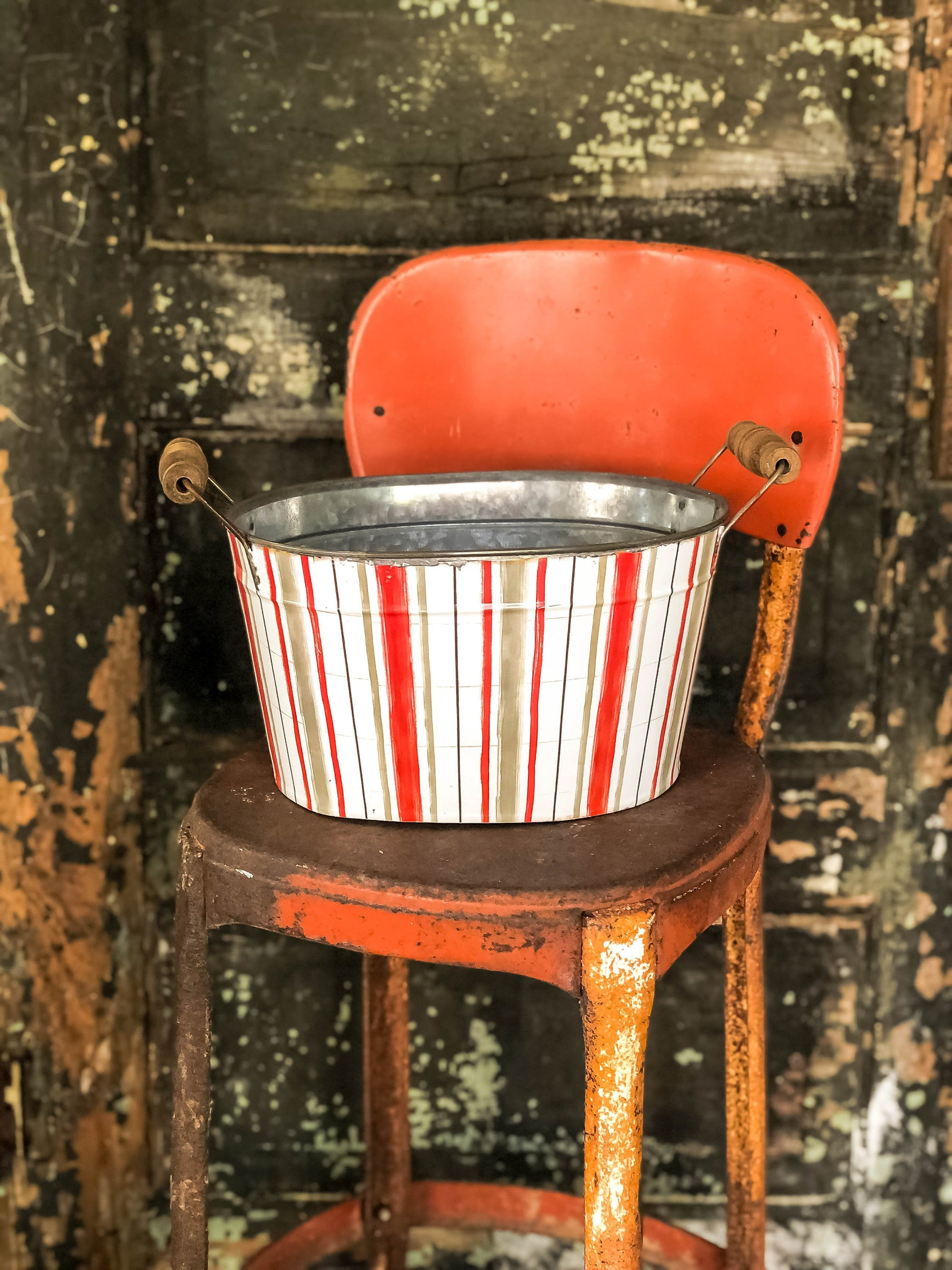 The Amanda Vintage Style Galvanized Red Stripe Oval Metal Bucket With Wood Handle~Farmhouse & cabin door home decor~Large rustic tub planter