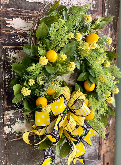 The Laureen spring lemon wreath for front door, Summer wreath, kitchen wreath, fruit wreath, mothers day gift, pick me up gift, Easter decor