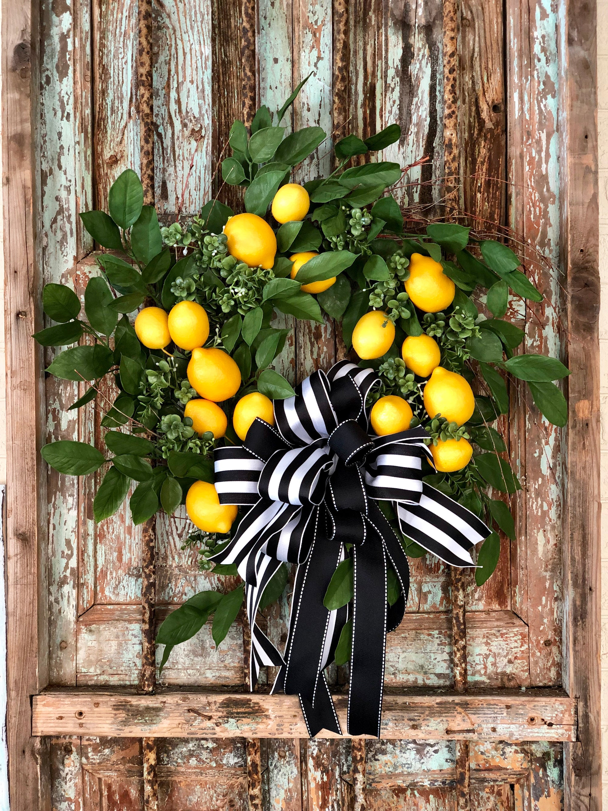 The Laurel Lemon Wreath