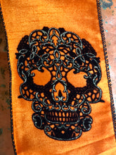 Load image into Gallery viewer, Crushed velvet ribbon with skull detail