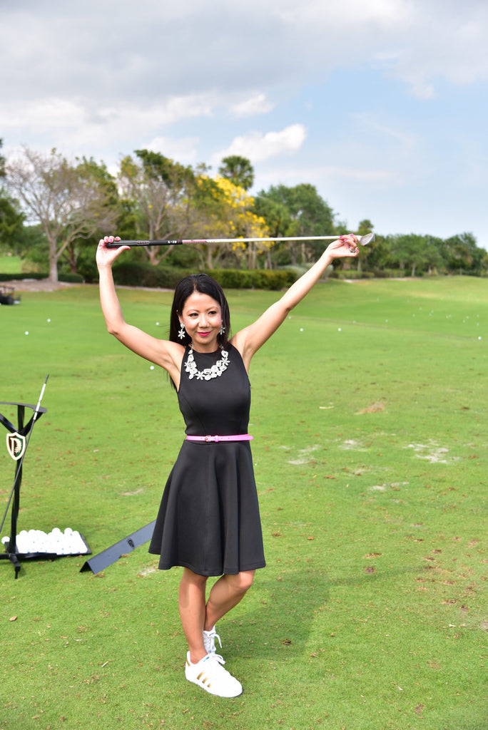 Asian Female Golfer, FUNNY POSE, GOLF FASHION, MOM TIPS