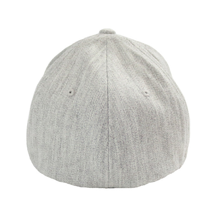 CLASSIC FLEXFIT HAT IN HEATHER GREY